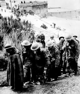 Britische und französische Gefangene in Dünkirchen, Frankreich